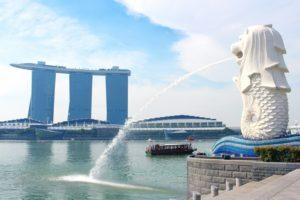シンガポール中心部 マーライオンとマリーナベイ サンズ