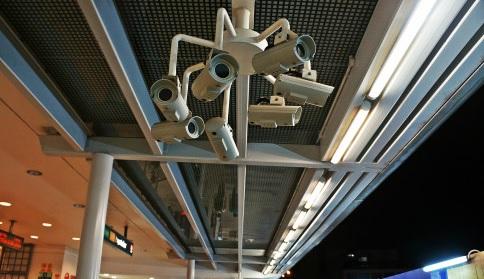 街のいたるところにある監視カメラ