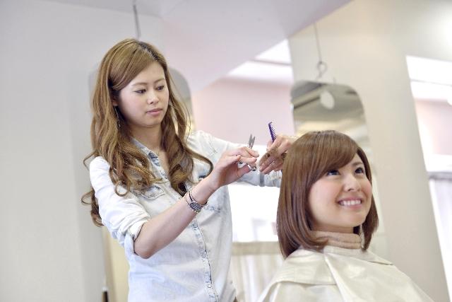 シンガポール転職で給与が上がる職業 その1. 美容師