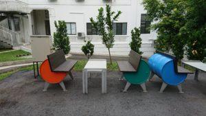 このレストランのテーブルと椅子がかわいい!