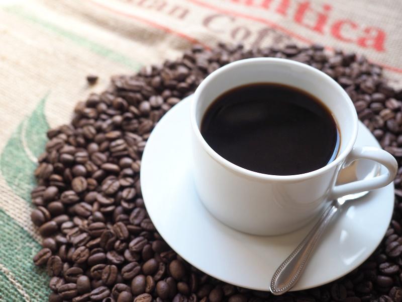 仕事のお供のコーヒー。シンガポールと日本には驚きの違いがあります。